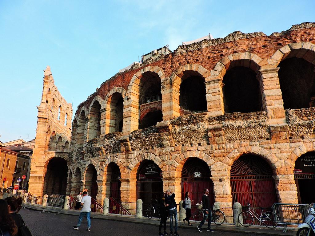 parcheggio vicino l'Arena di Verona